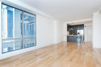 Spacious 2 Bed 2 Bath in LIC!